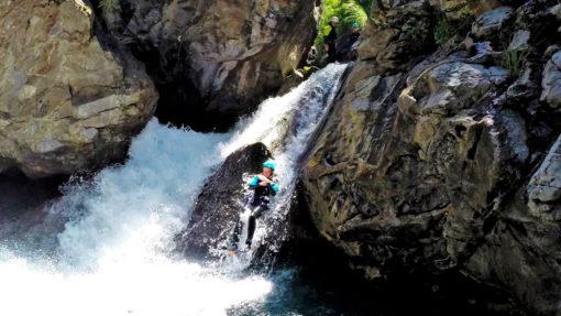 activités en montagne dans les pyrénées - Canyoning
